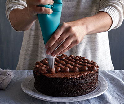 how to decorate a cake like a boss - How To Decorate A Cake