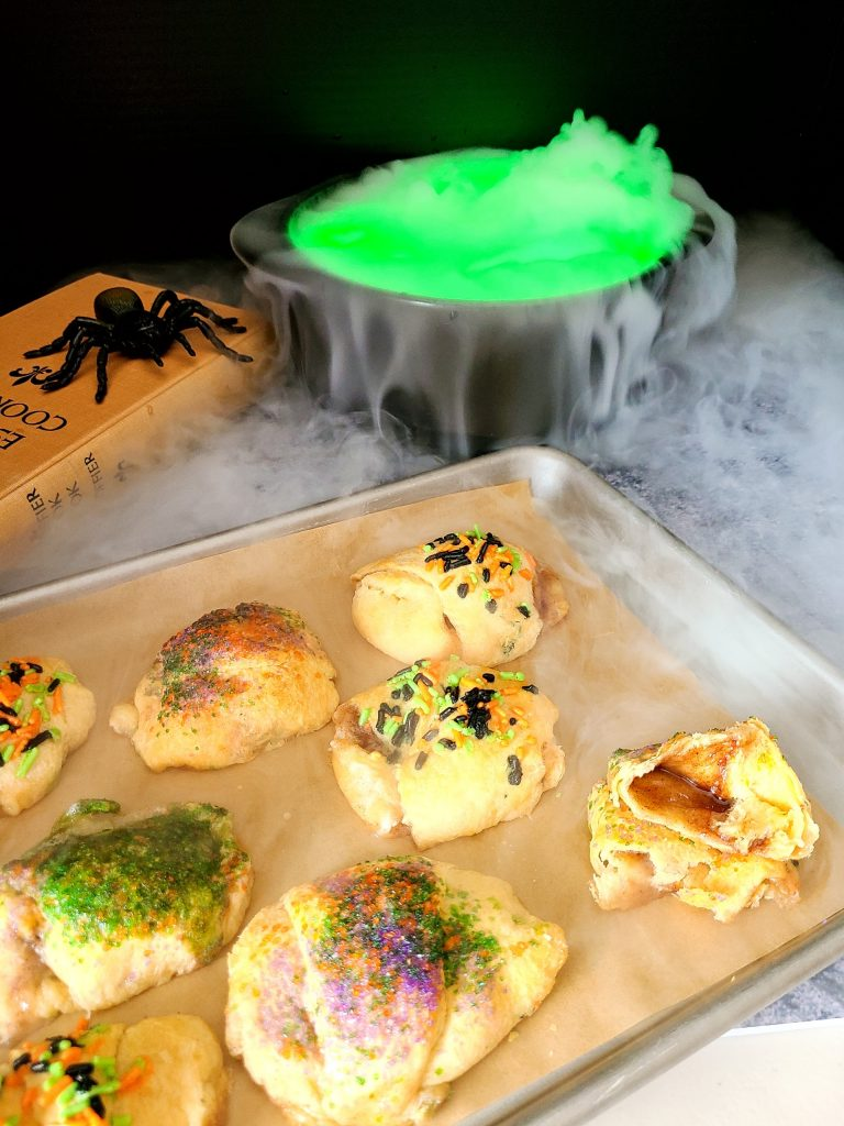 Halloween Hocus Pocus Buns