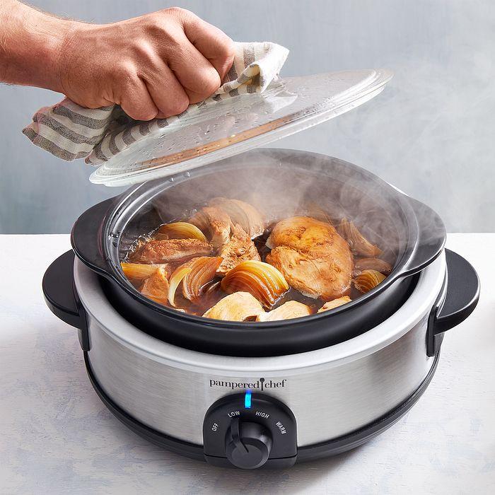 Food braising in a rockcrok® slow cooker